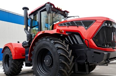 New kirovets tractor K-7M - product range flagman of Petersburg Tractor Plant JSC